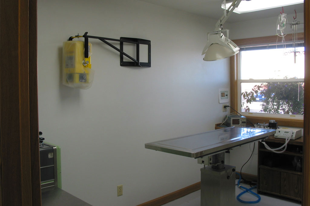 Surgical Suite - Northwoods Animal Hospital Cary NC